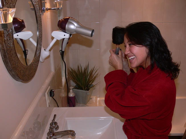 hair-dryer-stand-hands-free-1